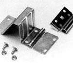 Боковая петля с роликодержателем для панелей от защемления пальцев секционных ворот